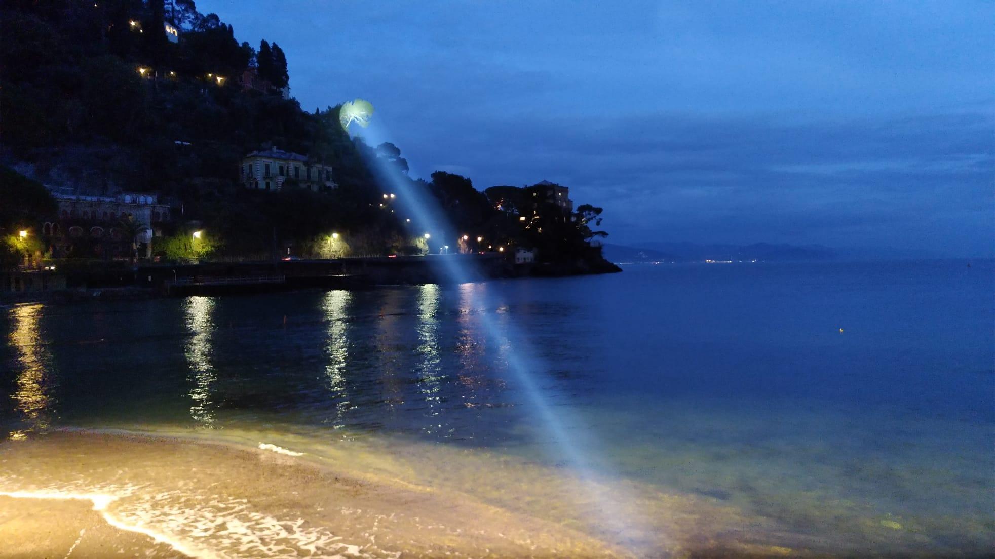 illuminazione spiaggia